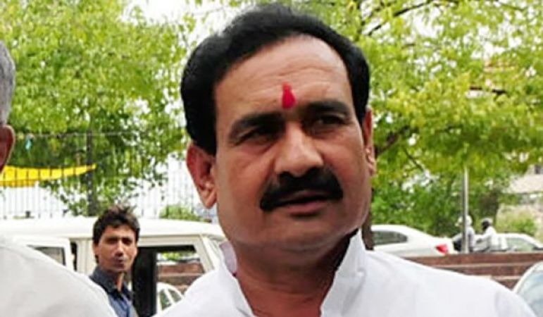 'Congress is spreading mutual tension,' said Narottam Mishra in youth beating case