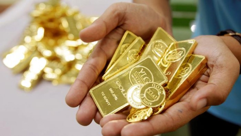 Gold in the national capital plunges Rs 491; silver plummets Rs 724
