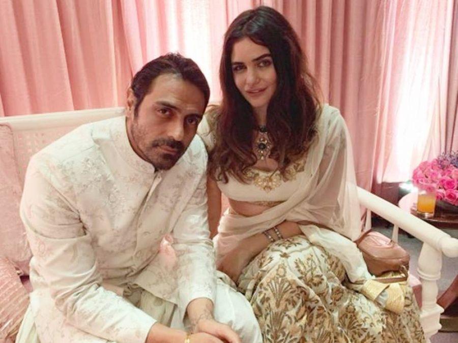 यूजर ने उड़ाया अर्जुन रामपाल की गर्लफ्रेंड के होठों का मजाक, मिला मुंहतोड़ जवाब