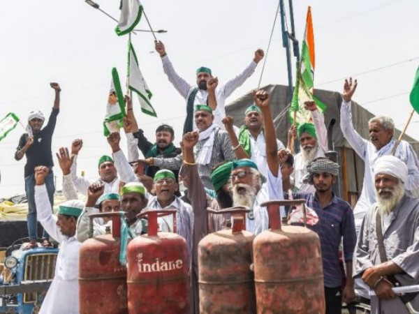 Farmers protest fuel price hike, demand Petrol rates be halved
