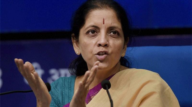 भारत में फंसे NRI और विदेशी विजिटर्स के लिए वित्त मंत्री निर्मला सीतारमण का बड़ा ऐलान